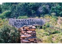 Nascente Rio São Francisco seca em Minas Gerais